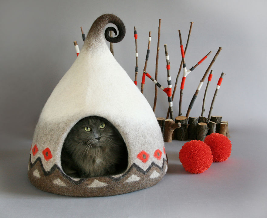 fairy tale cat house 1