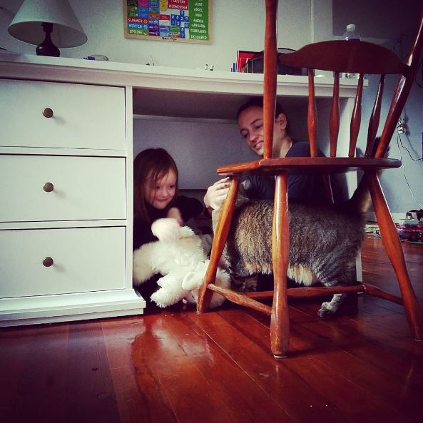 cat with kids 5