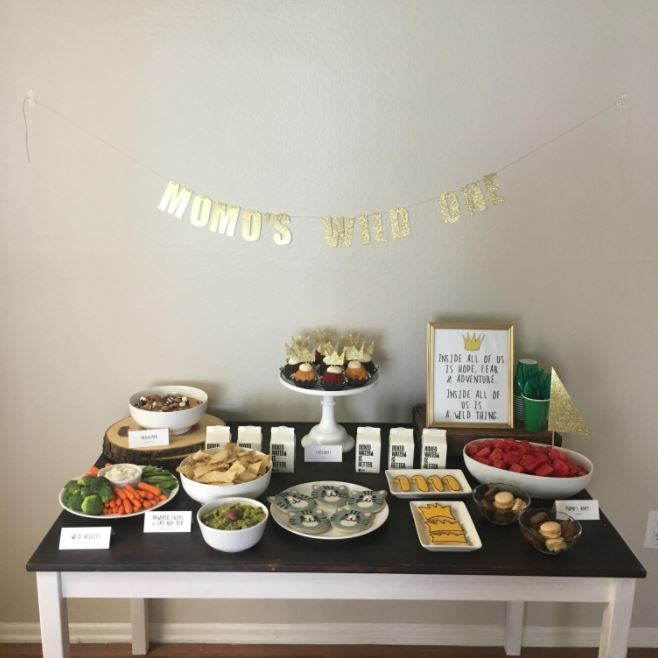 woman throws birthday party for cat 3