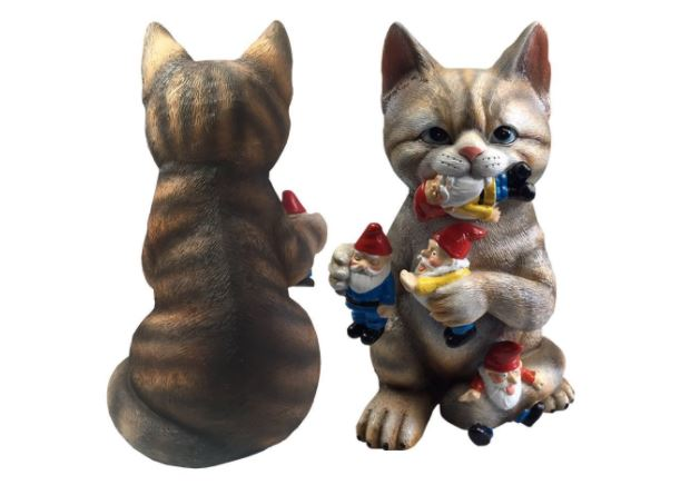 cat garden gnome lawn ornament 2
